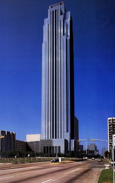 Philip Johnson and John Burgee, Transco Tower, Houston, TX 1983