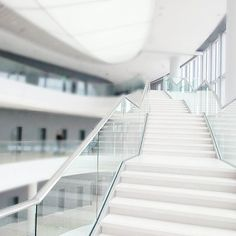 #icekrakow #krakow #poland#igerskrakow #congresscentre #alliswhite #white#pure #stairs#architecture#archilovers #good#instagood #glass @icekrakow #polandarchitecture