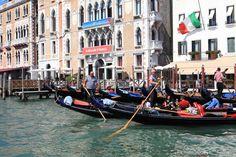 Gondolierzy to wizytówka Wenecji.