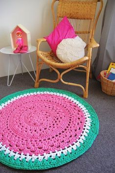 Idees gia ola: 40 GREAT IDEAS FOR HANDMADE CARPETS WITH BRADDER