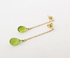Peridot briolette earrings, Gold briolette earrings, 14K gold earrings, Threader earrings, Gemstone earrings, Solid Yellow gold earrings, Minimal gold earrings  Gorgeous gemstone briolette earrings made with natural faceted peridot drop beads in 14K solid gold.  Sparkly and vivid, these lovely earrings will give a note of color to your outfits! The earrings are for pierced ears.  Length:4 cm  More Gemstone Earrings here: https://www.etsy.com/shop/ZacdeGal?section_id=2...