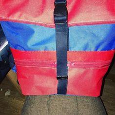 LCdC - Les Créas de Chacha sur Instagram: Un sac à dos hyper pratique ! 🎫Troïka de @patrons_sacotin en toile à sac imperméable de. @mondialtissus , doublure coton de @tissusdisa50 …