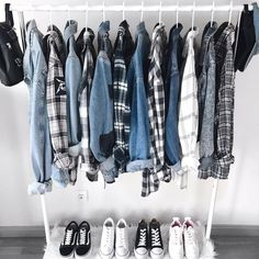 Why Don't You Fake Your First Capsule Wardrobe? — MappCraft - How to create a capsule wardrobe, minimalist wardrobe, closet inspiration, closet organization Source by namyonbin - Mode Outfits, Grunge Outfits, Casual Outfits, Teen Fashion, Fashion Outfits, Womens Fashion, Fashion Site, Ootd Fashion, Fashion Clothes