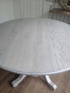 Refinishing dining table gray!!Long and Found: DIY Kitchen Table Refresh: