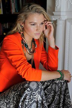 Amber Atherton dresses how real Chelsea girls should dress! Chelsea Girls, Made In Chelsea, Kensington And Chelsea, Boss Me, Classic Elegance, Amber, Sari, Turquoise, Elegant