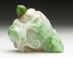 Snuff Bottle (Biyanhu) in the Form of a Melon with Vines and Butterfly, China, Late Qing dynasty, about 1800-1911, Abraded jade