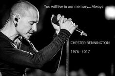 Beautiful Legend Chester Bennington ❤🤘 Your voice will always be home💙🎤🤘 Chester Rip, Linkin Park Chester, Mike Shinoda, Jay Thomas, Linking Park, Charles Bennington, Chester Bennington Live, Phoenix, Canon 700d