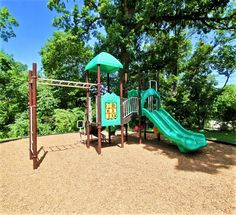 Playground, Townhouse, Trail, Picnic, Sport, Fitness, Children Playground, Deporte, Terraced House