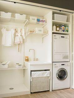 Cocina con comedor de diario, zona de lavado abierta