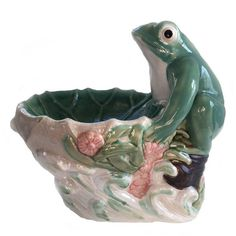 Vintage Porcelain Frog Birdbath Vintage Home Garden Accessories... ($50) ❤ liked on Polyvore featuring home, outdoors, outdoor decor, vintage garden planters, outdoor garden decor, garden bird bath, porcelain planter and vintage planter