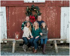 Janice Louise Photography | Delaware Family Portrait Photographer | Holiday/Christmas Session | Greenwood, Delaware | Christmas wreath, ornaments, farm, barn, bench