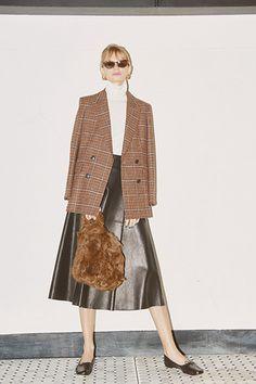 Office Fashion, Work Fashion, Beige Sweater, Gisele, Jacket Style, Autumn, Chic, Thesis, Womens Fashion