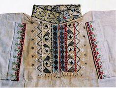 Art Costume, Folk Costume, Costumes, Norwegian Clothing, Swedish Wedding, Russian Folk Art, Scandinavian Folk Art, Tribal Dress, Embroidered Shirts