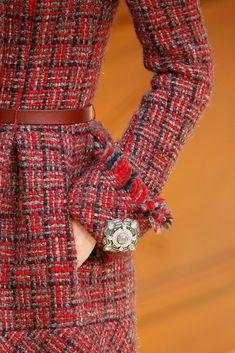DIY inpo: brooch button - Chanel