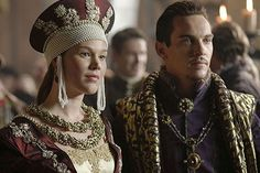 Joss Stone as Anne of Cleves, 4th Wife of Henry VIII, in THE TUDORS (with Jonathan Rhys Meyers as Henry VIII)