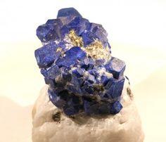Le pouvoir des pierres : les vertus du lapis lazuli