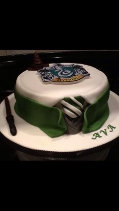 Slytherin cake-Debbie I think this is better than the other one. But would like the gray tray of the other one.