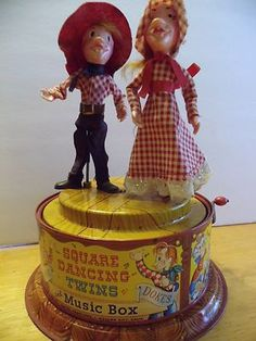 Nice Vintage Mattel Square Dancing Twins Music Box Tin Toy Wind Up Animated