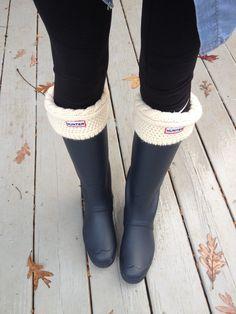 Hunter rain boots cute sweater top :)