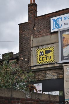 London (by Invader)