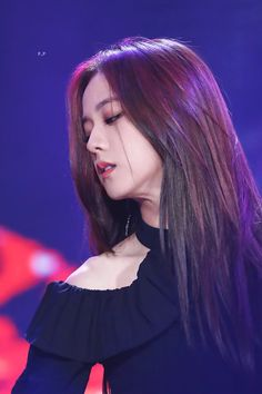 Find images and videos about kpop, blackpink and jisoo on We Heart It - the app to get lost in what you love. Blackpink Jisoo, Kim Jennie, Black Pink ジス, Peinados Pin Up, Blackpink Memes, Blackpink Photos, Soyeon, Shows, Yg Entertainment