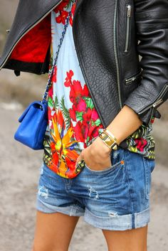Florals are a CHIC way to instantly jump into Spring!