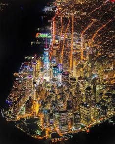 Lower Manhattan skyline as seen from above 🕊❤️🚖🗽🇺🇸 . Photo by ↓ Follo Lower Manhattan, Manhattan New York, Manhattan Skyline, New York From Above, New York City, New York Wallpaper, Travel Wallpaper, Wallpaper Desktop, Voyage New York