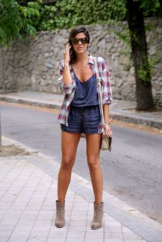 Camisa_cuadros-oversize-plaid_shirt-cowboy_booties http://FashionCognoscente.blogspot.com