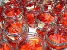 papryka bez octu na zime Punch Bowls, Salsa, Food And Drink, Herbs, Jar, Organic, Vegetables, Salsa Music, Restaurant Salsa
