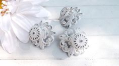 Items similar to White Shabby Chic Cast Iron Knob / Cottage Style / Drawer Knob /Dresser Pull /Decorative Knob on Etsy Cabinet And Drawer Knobs, Dresser Knobs, Drawer Pulls, Distressed Furniture, Shabby Chic Furniture, Painted Furniture, Furniture Design, Blanc Shabby Chic, Style Cottage