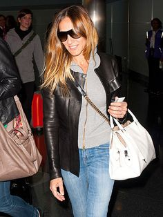 We just love Sarah Jessica Parker's effortless-looking, yet super chic, style! To boot, her shield shades truly add to her chill vibe!
