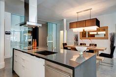 400 DOWD - Condos modernes au Quartier International Condos, Interior, Table, Furniture, Home Decor, Decoration Home, Room Decor, Design Interiors, Home Furniture