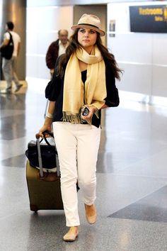 Tiffani Thiessen Photo - Tiffani Thiessen Leaves NYC