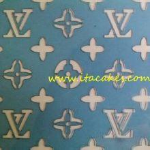 Louis Vuitton Stencil Cake Decorating Supplies, Cookie Decorating, Decorating Ideas, Cake Stencil, Stencils, Retro Pin Up, Cake Tutorial, Beauty Room, Pop Art