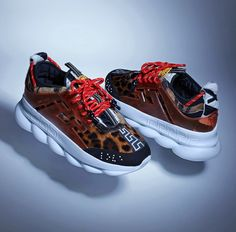 The Versace x 2 Chainz Chain Reaction is a true symbol of lavishness, added with much fashion detailing as 2 Chainz can fit in it. Air Jordan 4 Royalty, Me Too Shoes, Men's Shoes, Versace Chain, Sneaker Bar, 2 Chainz, Chain Reaction, Comfort Design, Chunky Sneakers