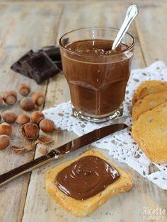 Nutella fatta in casa - Ricetta facile | RicetteDalMondo