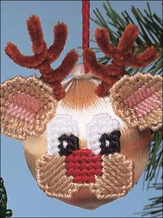Plastic Canvas - Christmas - Reindeer Ornament