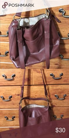 Leather Lucky Brand hobo crossbody Beautiful brown leather handbag.  Straps stay put.  Exterior pocket. Lucky Brand Bags Crossbody Bags