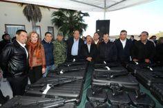 Entrega Gobernador Rubén Moreira armamento a municipios