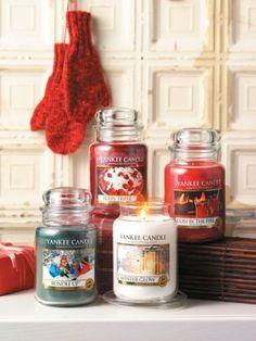 Yankee Candle Winter Glow 623 g Yankee Candle Fall, Yankee Candle Scents, Yankee Candles, Christmas Scents, Christmas Candles, What Is Christmas, Cozy Christmas, Scented Candles, Candle Jars
