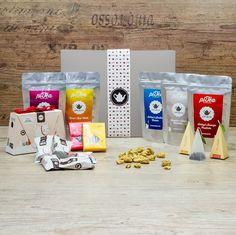 Unsere Geschenk Box Dessert ist gefüllt mit süßen Teekreationen und leckeren Extras!