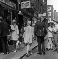 London views Carnaby Street July 1967 Shopping crowd scene The swinging 60 s - Stock Image London View, Carnaby Street, Girls Slip, Famous Girls, I Love Girls, Girl Pictures, Mom And Dad, Street Photography, Style Me