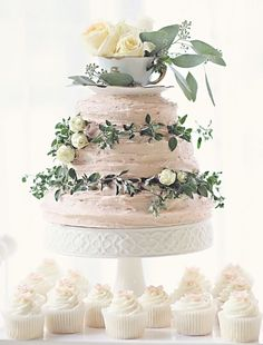 Wedding cake idea; Featured Photographer: Tonya Poitevint Photography