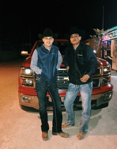 Cute Mexican Boys, Cute Country Boys, Mexican Men, Mexican Style, Cowboy Outfit For Men, Cowboy Boot Outfits, Rodeo Outfits, Baby Boy Outfits, Charro Outfit