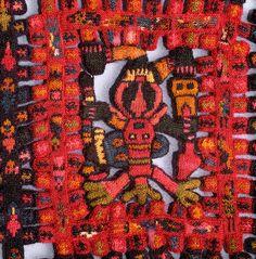Piezas únicas, de una gran belleza y color, pertenecientes a la cultura Paracas (700 A.C. y 200 D.C) se exhiben en el Museo de la Cultura d...