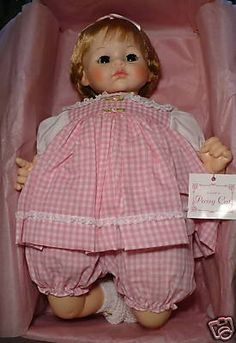 You are bidding on one Madame Alexander Pussy Cat Doll The doll comes in the original box with the pink tissue paper. Old Dolls, Antique Dolls, Vintage Dolls, My Childhood Memories, Childhood Toys, Vintage Madame Alexander Dolls, Cat Doll, Phobias, Teddy Bears