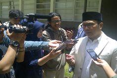 Sambangi Polsek Menteng Ridwan Kamil Minta Bobotoh Diadili
