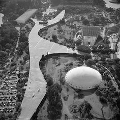 "Cultural buildings in Parque do Ibirapuera, connected by the ""Marquise"" idealized by Oscar Niemeyer"