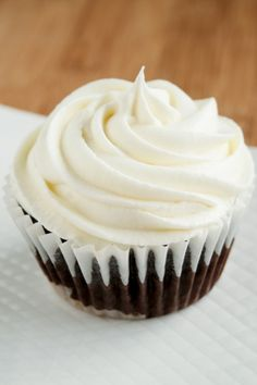 Chocolate Cupcakes with Marshmallow Buttercream icing