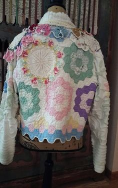 Etsy の Upcycled quilt jacket by UpcycledGypsy